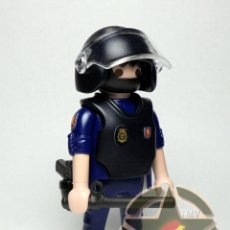 Playmobil: ESTUPENDO PLAYMOBIL CUSTOMIZADO POLICIA NACIONAL DE LA UIP EXCELENTE CALIDAD. Lote 176152888