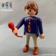 Playmobil: PLAYMOBIL - CANTANTE - MICRÓFONO ROJO - ARTISTA. Lote 184555166