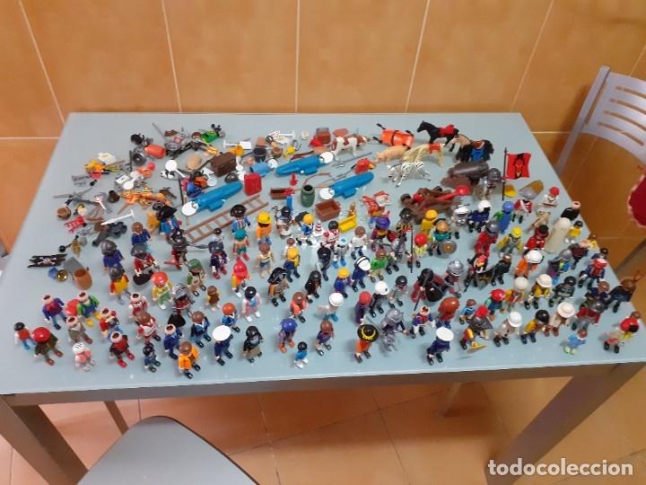 LOTE DE 105 CLIKS DE PLAYMOBIL + COMPLEMENTOS + ANIMALES.DISTINTAS ÉPOCAS. (Juguetes - Playmobil)
