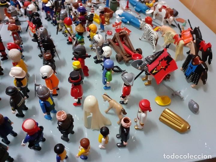 Playmobil: Lote de 105 cliks de Playmobil + complementos + animales.Distintas épocas. - Foto 11 - 178859435