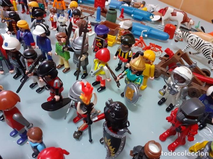 Playmobil: Lote de 105 cliks de Playmobil + complementos + animales.Distintas épocas. - Foto 12 - 178859435
