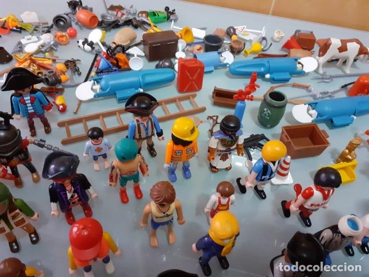Playmobil: Lote de 105 cliks de Playmobil + complementos + animales.Distintas épocas. - Foto 14 - 178859435