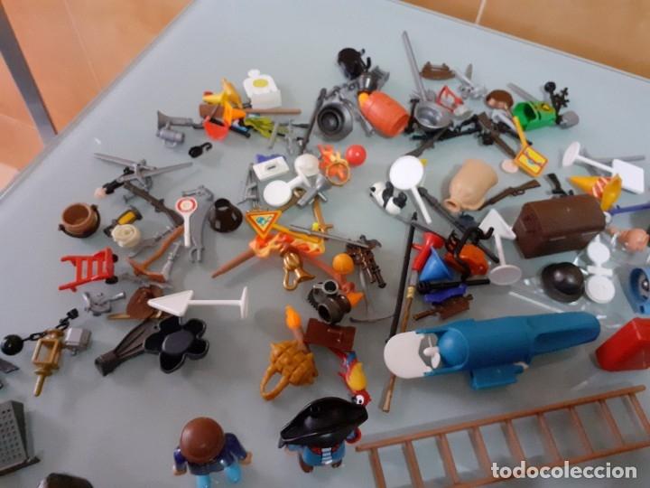 Playmobil: Lote de 105 cliks de Playmobil + complementos + animales.Distintas épocas. - Foto 17 - 178859435