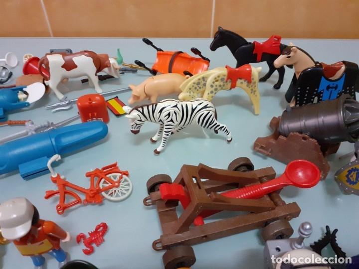 Playmobil: Lote de 105 cliks de Playmobil + complementos + animales.Distintas épocas. - Foto 29 - 178859435