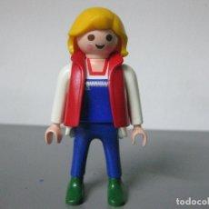 Playmobil: PLAYMOBIL FIGURA CHICA CIUDAD CHALECO ROJO RUBIA ZAPATOS VERDES M8. Lote 178910960