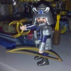 Playmobil: PLAYMOBIL 5464 SOLDADO ARQUERO SAMURAI DRAGÓN AZUL CON ARCO, FLECHAS, CUCHILLO ORO MEDIA LUNA & DAGA. Lote 179002648
