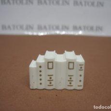 Playmobil: PLAYMOBIL LIBROS CASA VICTORIANA CIUDAD. Lote 222043652