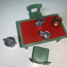 Playmobil: MESA FUERTE 3023 SILLA ESCUPIDERA CUBO JARRA . Lote 179195733
