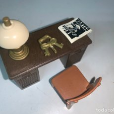 Playmobil: MESA OFICINA SERIFF CARTEL SILLA LÁMPARA LLAVES . Lote 179195776