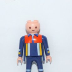 Playmobil: PLAYMOBIL MEDIEVAL FIGURA BOMBERO. Lote 179201702