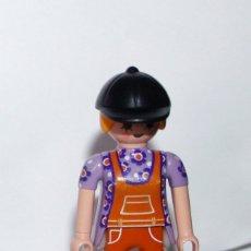Playmobil: PLAYMOBIL MEDIEVAL FIGURA MUJER MODERNA CITY. Lote 180343422
