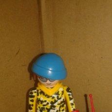 Playmobil: PLAYMOBIL 5598 SERIE 9 CHICOS RAPERO. Lote 180875072