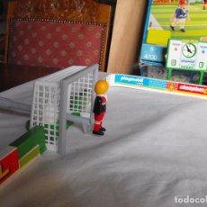 Playmobil: PLAYMOBIL. CAMPO DE FUTBOL CON JUGADORES. REF. 4700. INCOMPLETO.. Lote 181791662