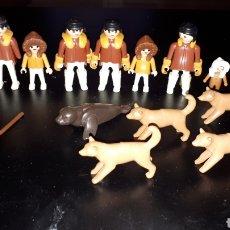 Playmobil: LOTE 8 PLAYMOBIL ESQUIMAL Y PERROS FOCA Y PALA O REMO. Lote 187598840