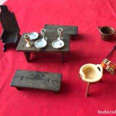 Playmobil: GEOBRA 1974 CASTILLO MEDIEVAL COMPLEMENTOS COPAS PLATOS PALANGANA TRONO MESA Y BANCOS PLAYMOBIL 1974. Lote 187610501