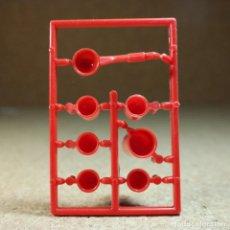 Playmobil: PLAYMOBIL TAZAS JARRA Y CUCHARON ROJOS, CASA WESTERN LEJANO OESTE COCINA UTENSILIOS . Lote 194255137