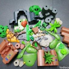 Playmobil: PLAYMOBIL LOTE VEGETACIÓN ROCAS MONTAÑAS DIORAMA MEDIEVAL SELVA TRONCOS ÁRBOL PLANTAS HELECHOS OESTE. Lote 194671545