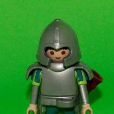 Playmobil: PLAYMOBIL MEDIEVAL CABALLERO ACORAZADO ORDEN DEL DRAGON REF 5420. Lote 194744028