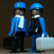Playmobil: PLAYMOBIL PAREJA VIAJEROS, FIGURAS MANOS-FIJAS PRIMERA ÉPOCA KLICKY TREN NEGRITOS. Lote 194906805