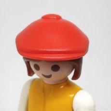 Playmobil: PLAYMOBIL GORRA ROJA. Lote 195071666