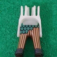 Playmobil: PLAYMOBIL PIERNAS RAYAS ESCAMAS DRAGÓN VIKINGOS BOTA PELO MARRÓN BÁRBAROS MEDIEVAL ROMANOS. Lote 195136758