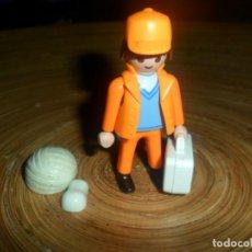 Playmobil: LOTE PLAYMOBIL - SANITARIO AMBULANCIA, ENFERMERO - VENDA CABEZA, YESO MANO, MALETIN. Lote 195234203