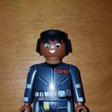 Playmobil: PLAYMOBIL CHICO NEGRITO CAZAFANTASMAS MUÑECO COLECCIÓN GOSHSTBUSTERS. Lote 199176626