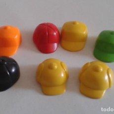 Playmobil: GORRAS NIÑO PLAYMOBIL EQUITACIÓN Y OTRAS. Lote 204500398