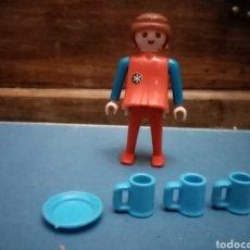 Playmobil: PLAYMOBIL LOTE MUJER PEGATINA NIEVE JARRA PLATO AZUL. Lote 206394983