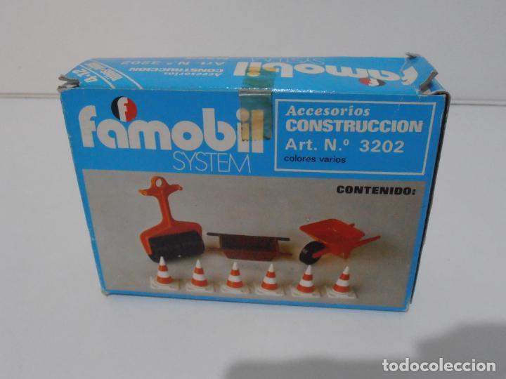 Playmobil: ACCESORIOS DE CONSTRUCCION, FAMOBIL, REF 3202, CAJA ORIGINAL, NUEVO A ESTRENAR - Foto 6 - 215711341