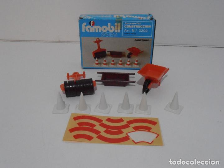 ACCESORIOS DE CONSTRUCCION, FAMOBIL, REF 3202, CAJA ORIGINAL, NUEVO A ESTRENAR (Juguetes - Playmobil)