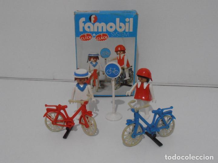 PAREJA DE CICLISTAS, FAMOBIL, REF 3573, CAJA ORIGINAL, COMPLETO (Juguetes - Playmobil)