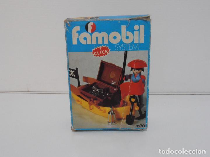 Playmobil: PIRATA CON BARCA, FAMOBIL, REF 3570, CAJA ORIGINAL, COMPLETO - Foto 2 - 215746761