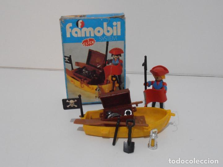 PIRATA CON BARCA, FAMOBIL, REF 3570, CAJA ORIGINAL, COMPLETO (Juguetes - Playmobil)