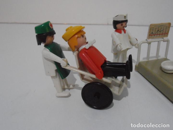 Playmobil: LOTE HOSPITAL MEDICOS, FAMOBIL, TODO LO QUE SE VE - Foto 3 - 215816937