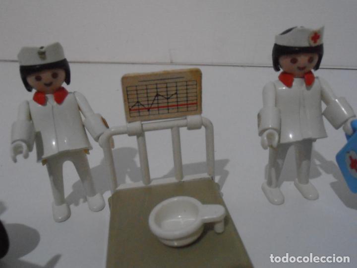 Playmobil: LOTE HOSPITAL MEDICOS, FAMOBIL, TODO LO QUE SE VE - Foto 5 - 215816937