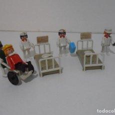 Playmobil: LOTE HOSPITAL MEDICOS, FAMOBIL, TODO LO QUE SE VE. Lote 215816937
