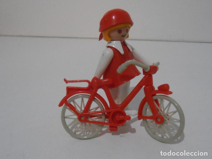 Playmobil: PAREJA DE CICLISTAS, REF. 3573, FAMOBIL, COMPLETO SIN CAJA - Foto 3 - 215817162