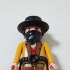 Playmobil: PLAYMOBIL.VAQUERO,CON GORRO, CARTUCHERA,PAÑUELO.. Lote 219191067