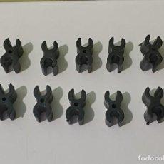 Playmobil: PLAYMOBIL LOTE 10 PIEZAS-ENGANCHES DOBLES NEGRAS UNIÓN ESTRUCTURAS-MUROS OESTE, ROMA, VIKINGOS, CITY. Lote 276996848