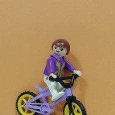 Playmobil: PLAYMOBIL.. FIGURA NIÑO CON BICICLETA.. CIUDAD.. PARQUE... Lote 219667152