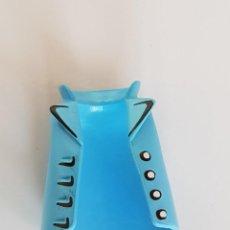 Playmobil: PLAYMOBIL CHALECO AZUL CELESTE BOTONES CIUDAD COUNTRY OESTE MEDIEVAL SOLDADOS PIRATAS. Lote 219718925