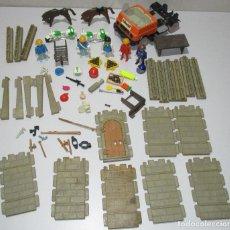 Playmobil: LOTE FIGURAS PLAYMOBIL FAMOBIL + ACCESORIOS, BARCO PIRATA, CASTILLO..... Lote 220763747
