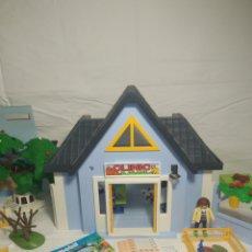 Playmobil: CLÍNICA VETERINARIA PLAY MOVIL CON ANIMALITOS Y MUCHOS ACCESORIOS. Lote 221300441