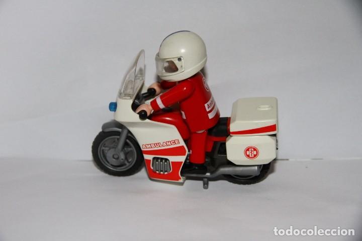 PLAYMOBIL MEDIEVAL MOTO AMBULANCIA CON PILOTO (Juguetes - Playmobil)