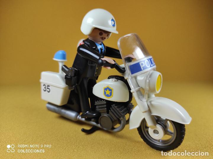 PLAYMOBIL OFICIAL DE POLICIA CON MOTO (Juguetes - Playmobil)
