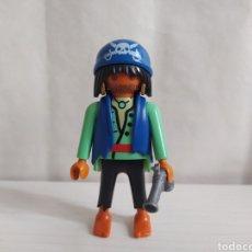 Playmobil: PIRATA, TRIPULACIÓN BARCO PIRATA CON PISTOLA. Lote 236370925