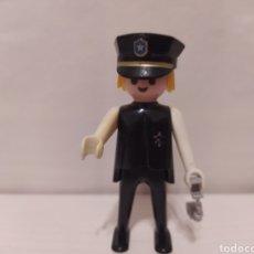 Playmobil: FIGURA PLAYMOBIL GEOBRA 1974. WESTERN, SHERIFF, CON MANILLAS Y GORRA POLICIA. SEGUREDAD. Lote 236457140
