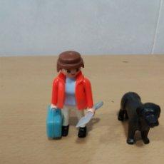 Playmobil: RESCATADOR CON PERRO. Lote 236567920