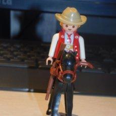 Playmobil: PLAYMOBIL *COWBOY CON SOMBRERO Y RIFLE A CABALLO CON BOCADO, RIENDAS Y MANTA* OESTE, WESTERN.2 FOTOS. Lote 237186350